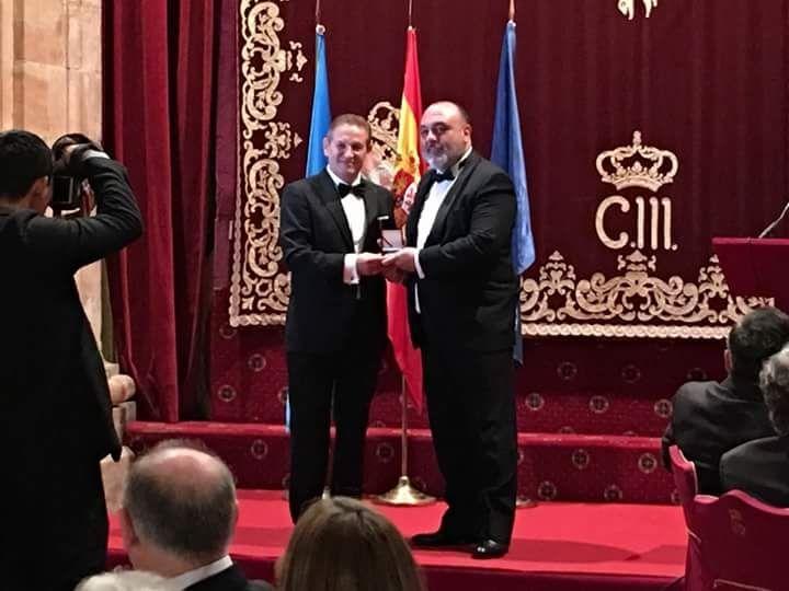 El prestigioso Criminalista Forense Luis Alamancos, galardonado con la Medalla de Oro del Foro CUM LAUDE