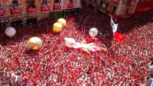 Pamplona vive su 6 de julio más extraño,