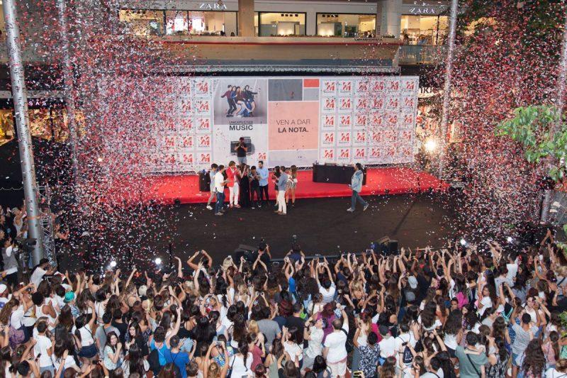 Concurso de nuevos talentos musicales en el centro comercial La Maquinista