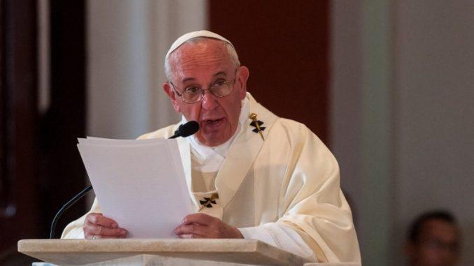 """El Papa, en el 75 aniversario de Hiroshima, avisa que """"sólo sin armas nucleares puede el mundo aspirar a la paz"""","""