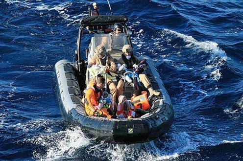 Rescatan una patera con 9 migrantes cerca de Gran Canaria,