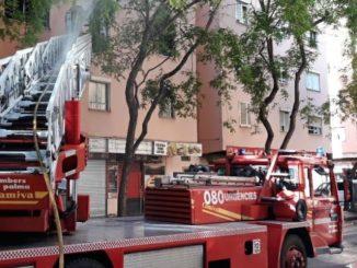 Los Bomberos de Palma intervienen en un incendio en un piso de la calle Indalecio Prieto. - 112