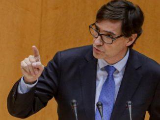 El ministro de Sanidad, Salvador Illa, durante su intervención en el pleno de control al Gobierno del Senado. - Ricardo Rubio - Europa Press