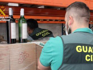 Desarticulada una red de falsas empresas que revendía botellas de vino,