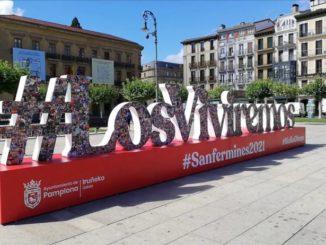 """""""Los viviremos"""": Una escultura con más de 1.500 fotografías de """"buenos momentos"""" de San Fermín en 2021,"""