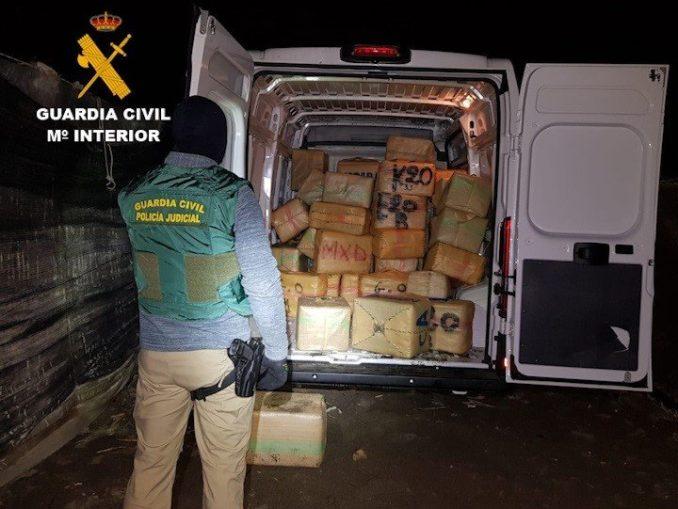 La Guardia Civil detiene a 33 personas en dos operaciones antidroga en varias Comunidades Autónomas,