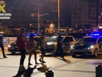 Más de 200 personas denunciadas por no usar mascarillas en un control nocturno en Sanxenxo y A Illa (Pontevedra),