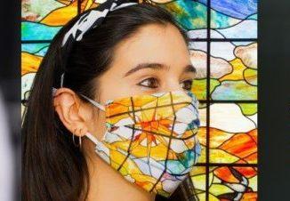 La imagen de la Casa Lis llega a España a través de sus mascarillas producidas por empresas de Salamanca,