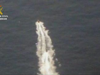 La Guardia Civil detiene a 4 personas y confisca casi una tonelada de hachís en aguas del Estrecho de Gibraltar,