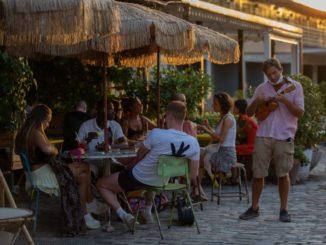 La caída de turistas provoca pérdidas de 5.400 millones en alimentación en hostelería,