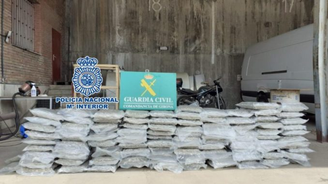 Tres detenidos por traficar con marihuana en toda Europa desde Barcelona,