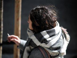 Nofumadores.org quiere que la propuesta de Galicia de prohibir fumar en la calle se extienda a toda España,