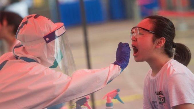 Se estima que Wuhan tenía más de 12.000 casos cuando se cerró, frente a los 422 confirmados,